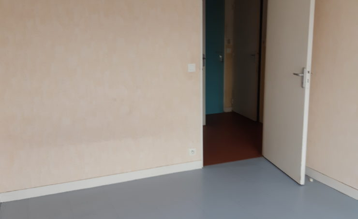 Appartement T3 69m² 63000 - Image 5