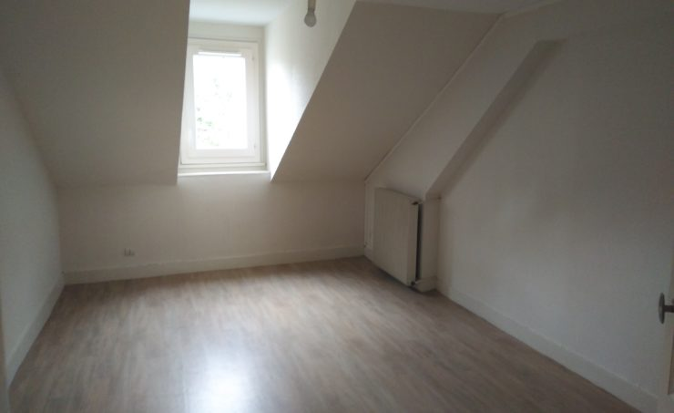 Appartement T4 98m² 63300 THIERS - Image 1