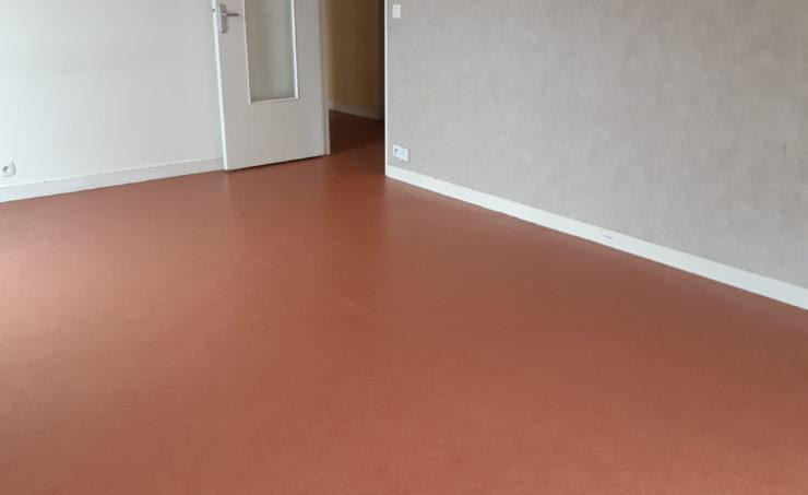 Appartement T3 69m² 63000 - Image 2