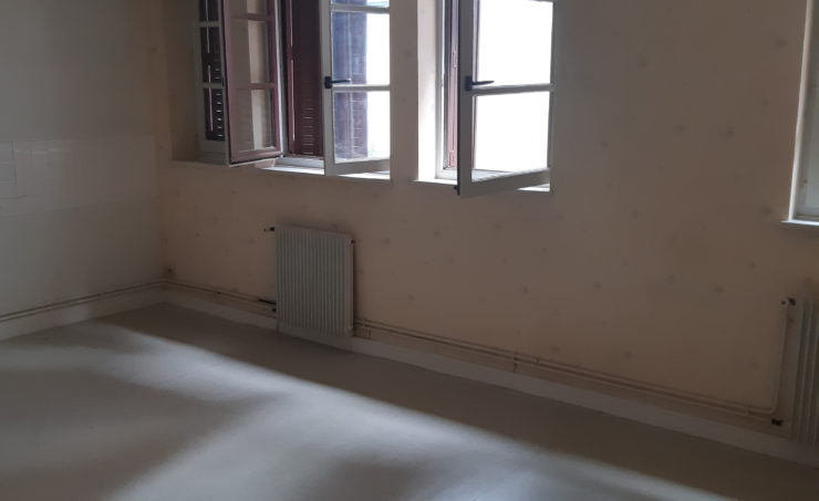 Appartement T1 31m² 63300 THIERS - Image 2